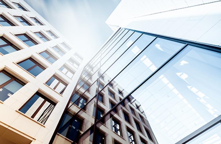 NS15220_PGIM-Real-Estate-2Q-Market-Review_720x322x150